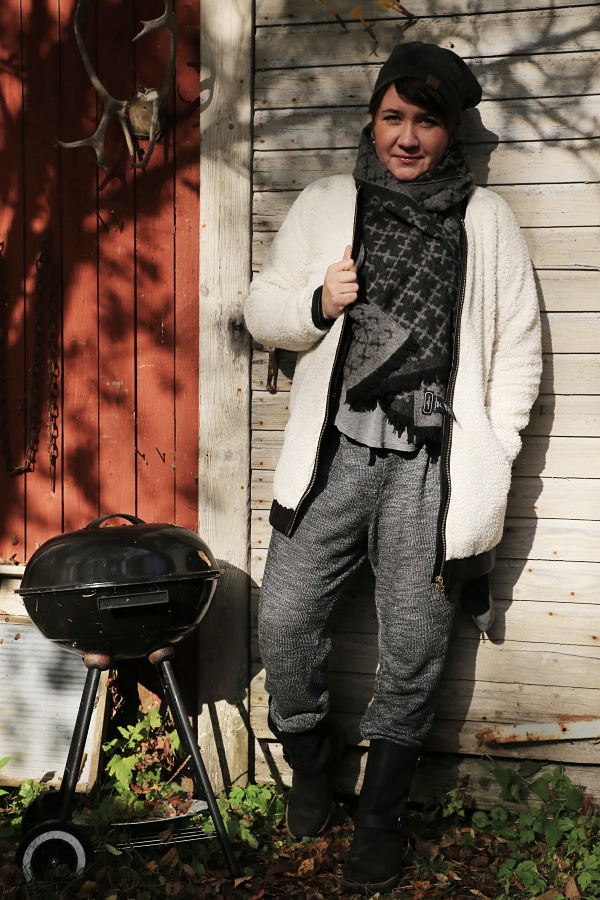 by malene birger wool scarf TAKASIN MÖKILTÄ